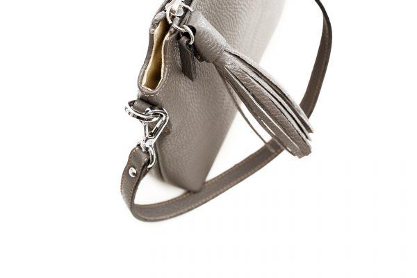 Kleine Lederhandtasche in schlamm